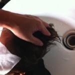 お水の金属イオンで 髪の毛は傷む???