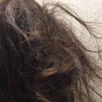 髪が絡まりやすい、手櫛も入らないのは親水性?